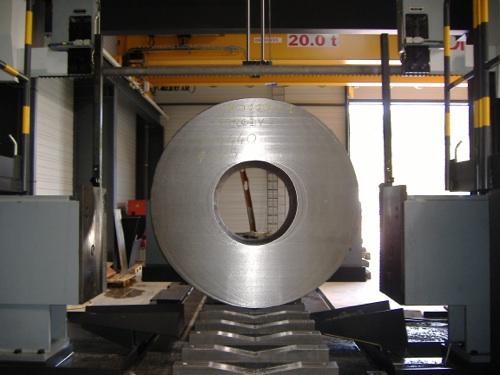 exemple de sciage de métaux à façon gros diamètre